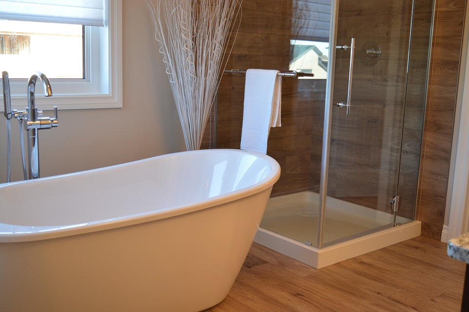 Bathtub Wars: Built-In vs. Freestanding - Superior Interiors by ...